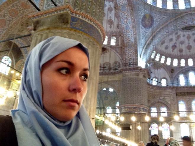 Frauen müssen in der Mosche Kopfbedeckung tragen